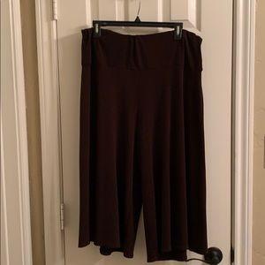 Notations woman size 2X skirt like capris pants